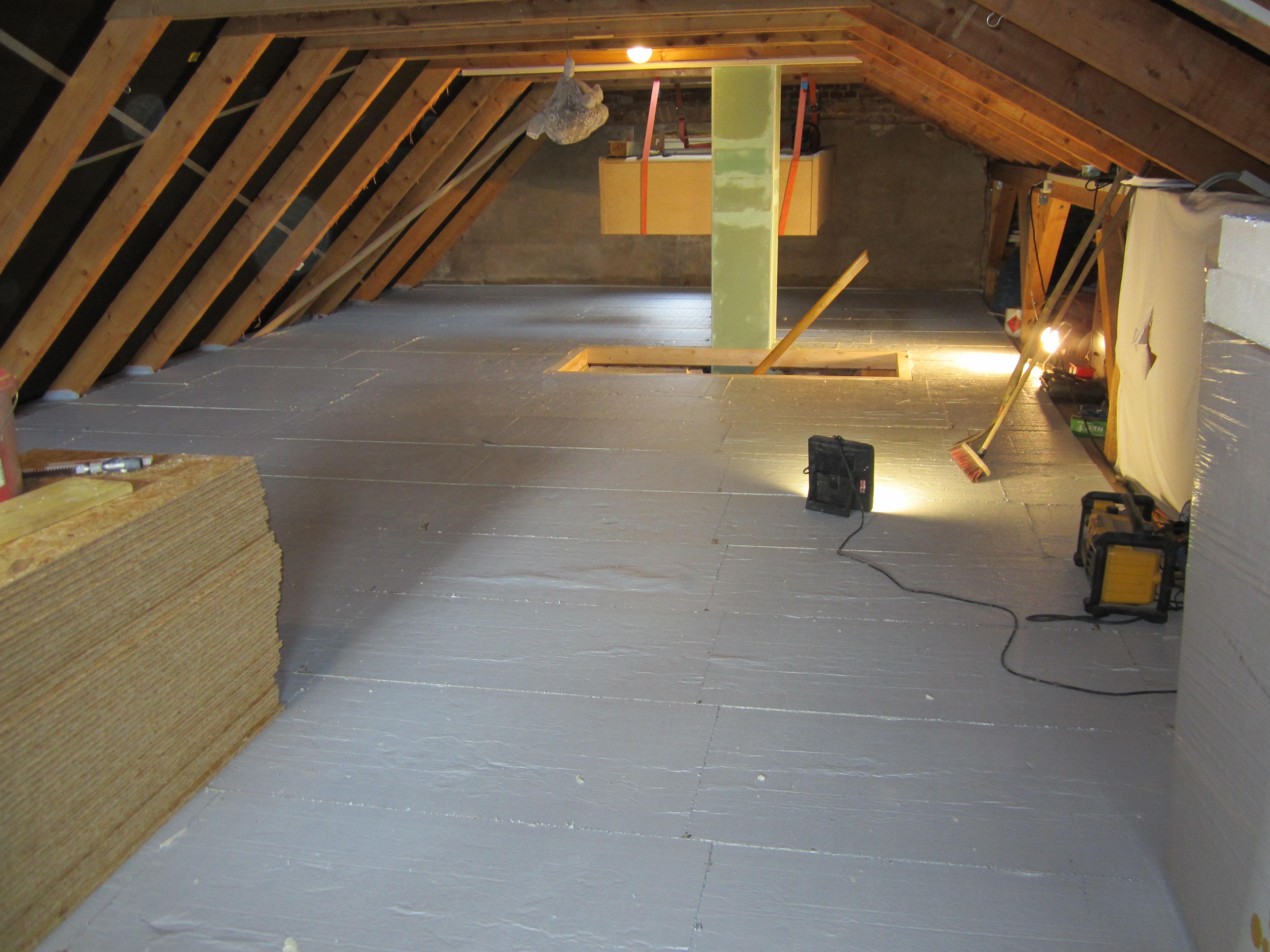 wenn 39 s ums dach geht dachdecker meister holger scheibe d mmung oberste gescho decke. Black Bedroom Furniture Sets. Home Design Ideas